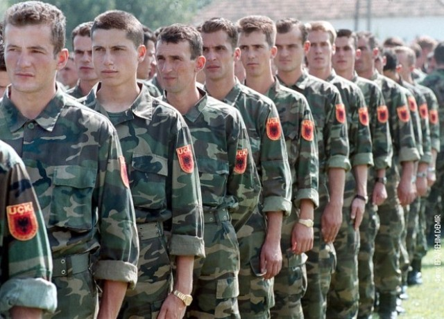 dvojica-bivsih-komandanata-ovk-sutra-u-hagu-ljustaku-angazovao-dzefrija-najsa