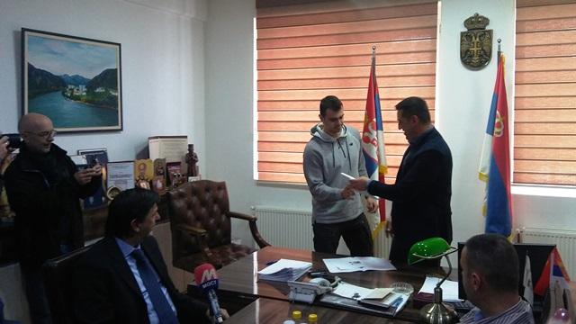 za-sportske-klubove-iz-kosovske-mitrovice-12-miliona-dinara-za-takmicarsku-sezonu