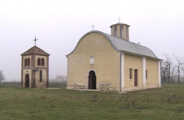 obijena-crkva-svete-trojice-u-babljaku