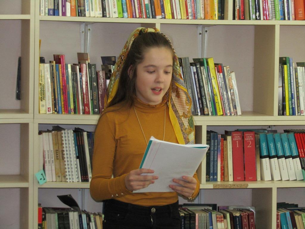 predstavljanje-mladih-poeta-u-gradskoj-biblioteci-u-mitrovici-foto