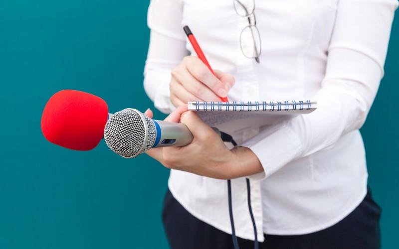 novinarki-iz-vranja-preceno-smrcu-preko-telefona