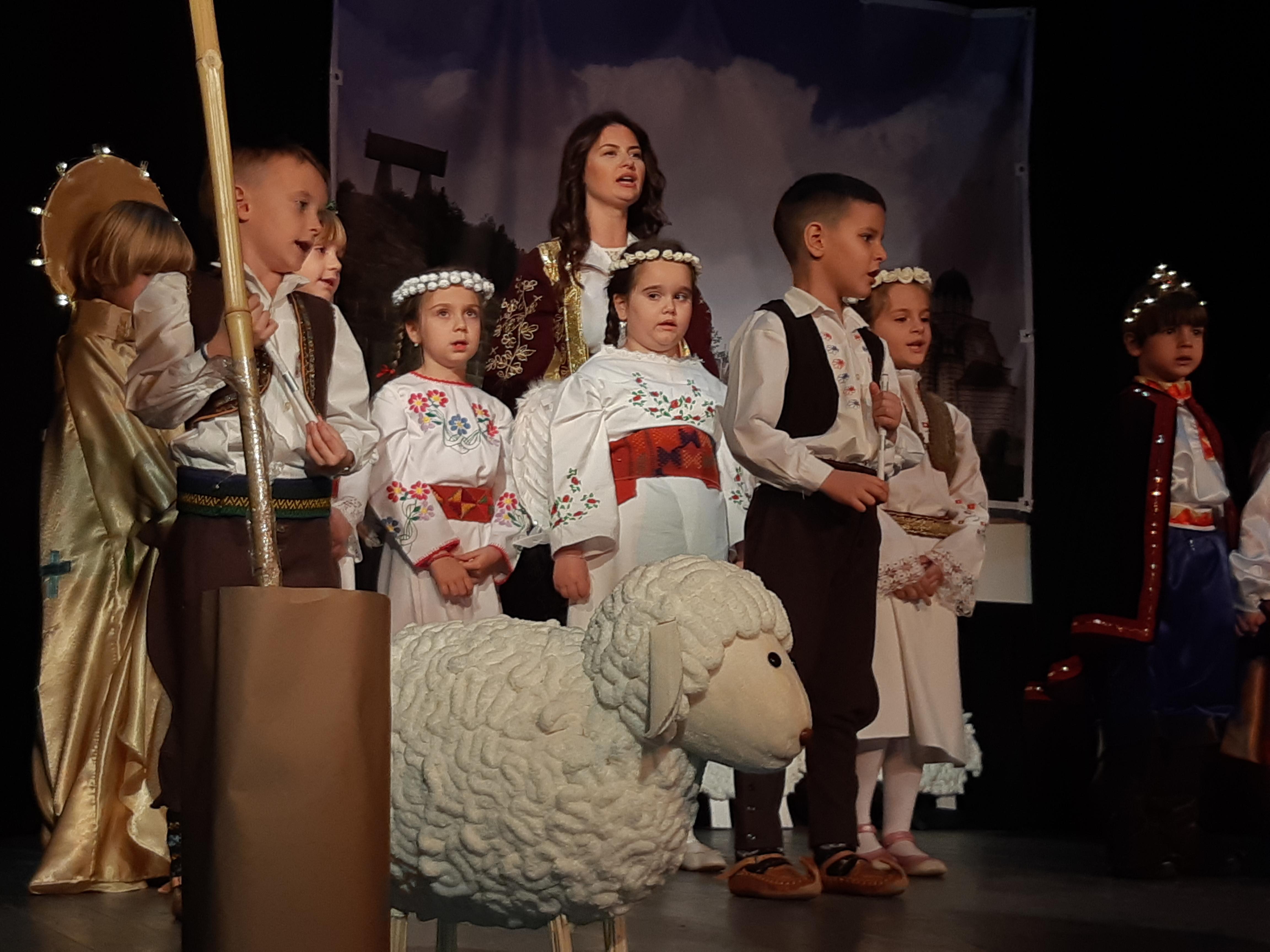 mitrovacki-predskolci-pobedili-na-festivalu-scenskih-minijatura-foto