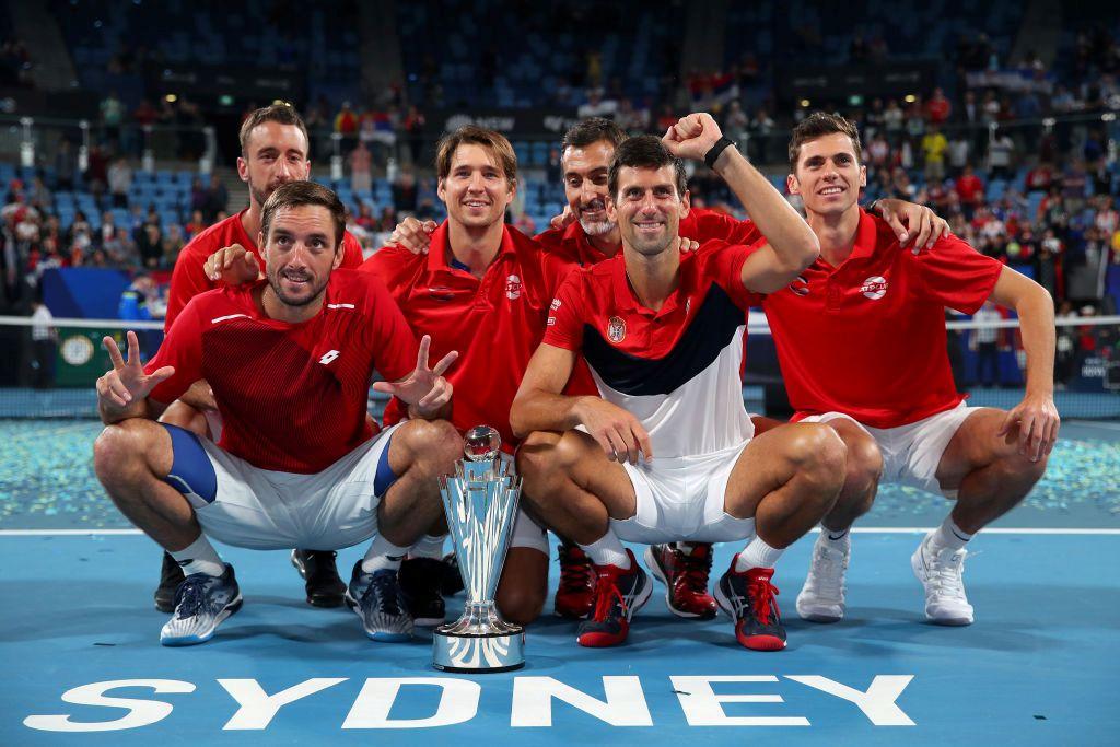 srbija-pobednik-atp-kupa-teniseri-slavili-uz-sampanjac-i-mars-na-drinu