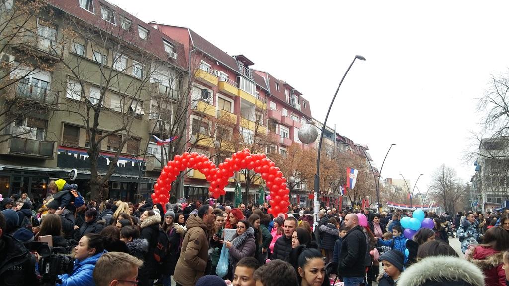 kosovska-mitrovica-poruke-ljubavi-i-mira-iz-ulice-i-grada-otvorenog-srca