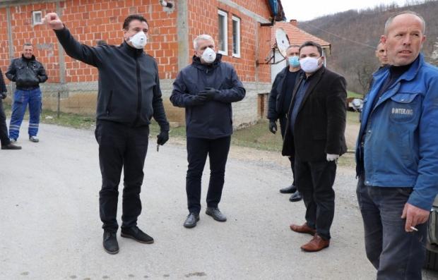 sveclja-posetio-sela-na-severu-kosova