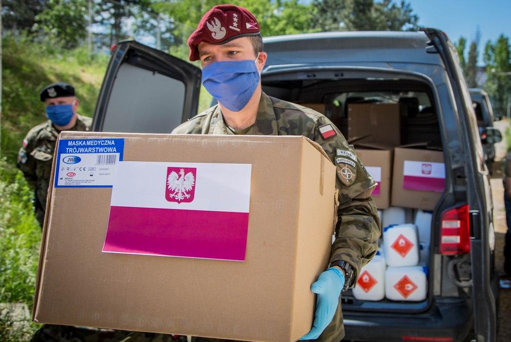 odgovor-na-koronavirus-poljska-dostavila-medicinsku-pomoc