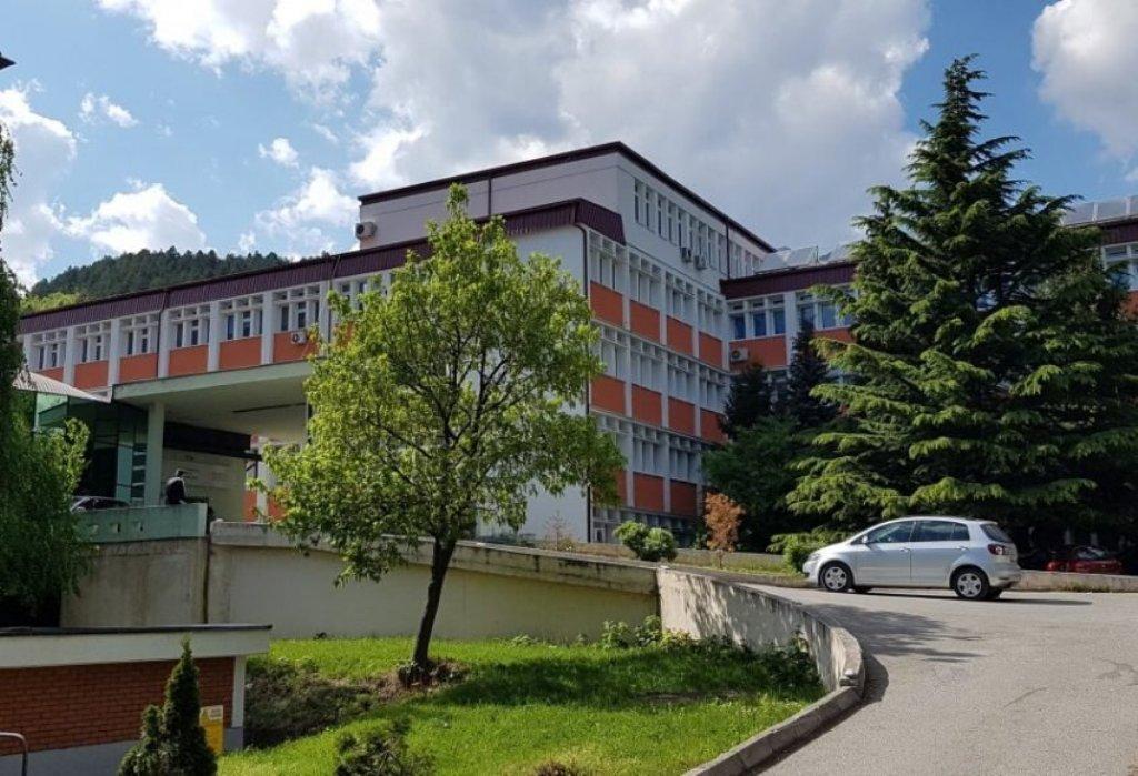 u-bolnici-u-peci-67-kovid-pozitivnih-pacijenata