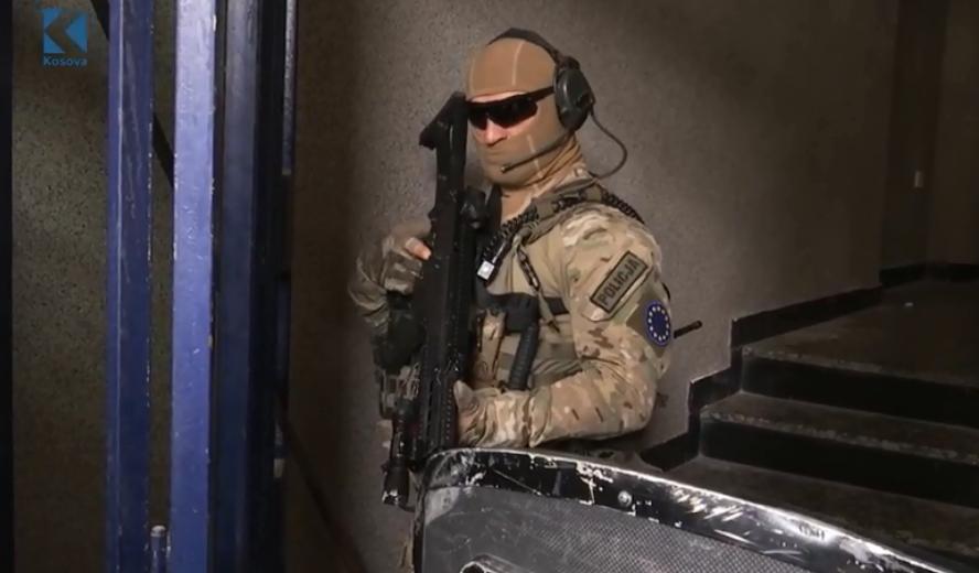 specijalci-eulex-a-upali-u-kancelarije-veterana-ovk-uhapsen-hisni-gucati