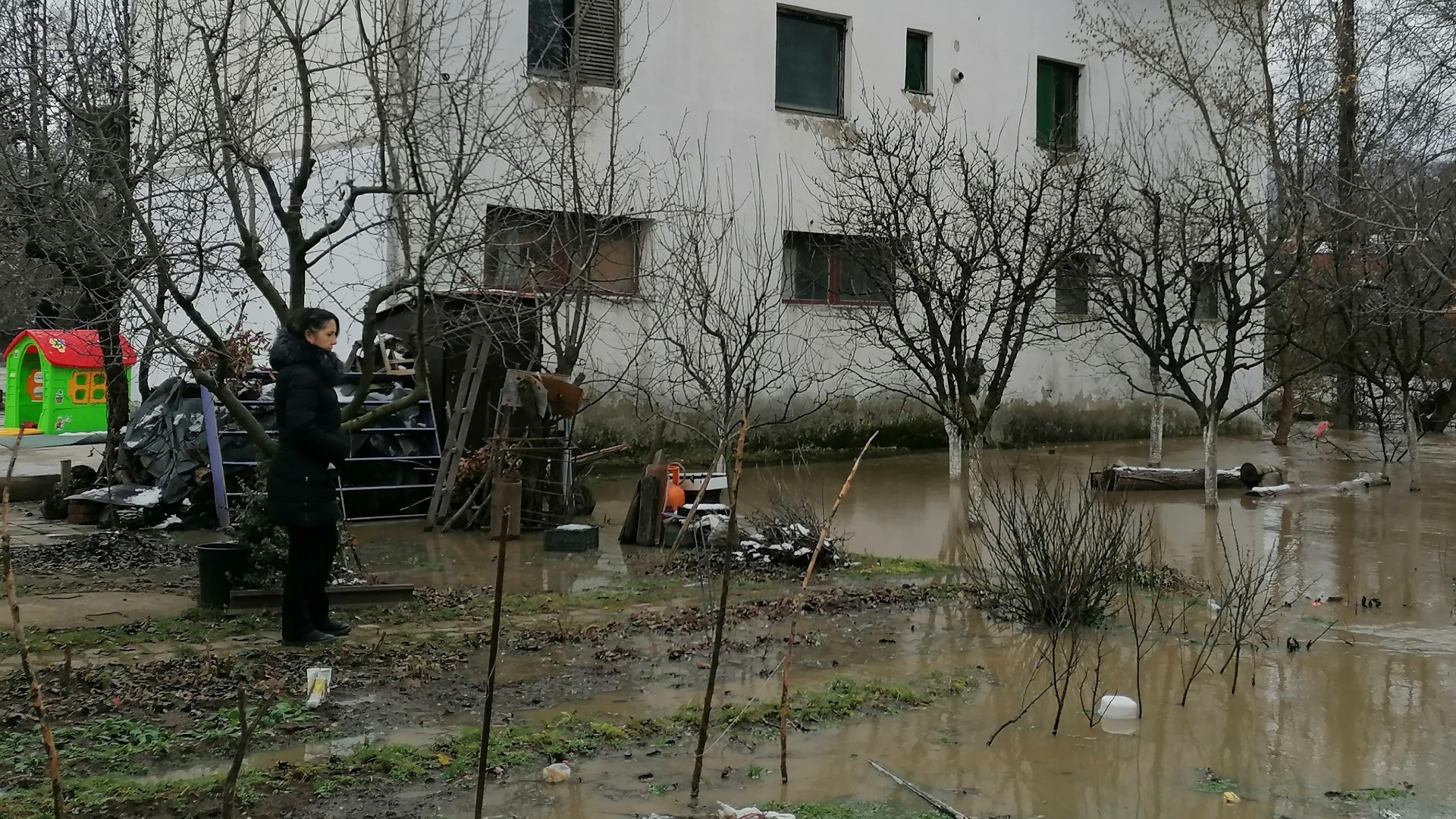 u-grabovcu-poplavljeno-50-oranica-u-gornjem-krnjinu-voda-odnela-most