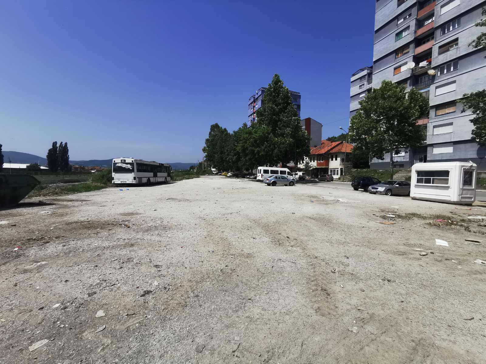 mitrovica-radovi-na-izgradnji-parkinga-u-kolapsinskoj-ulici-pocinju-danas