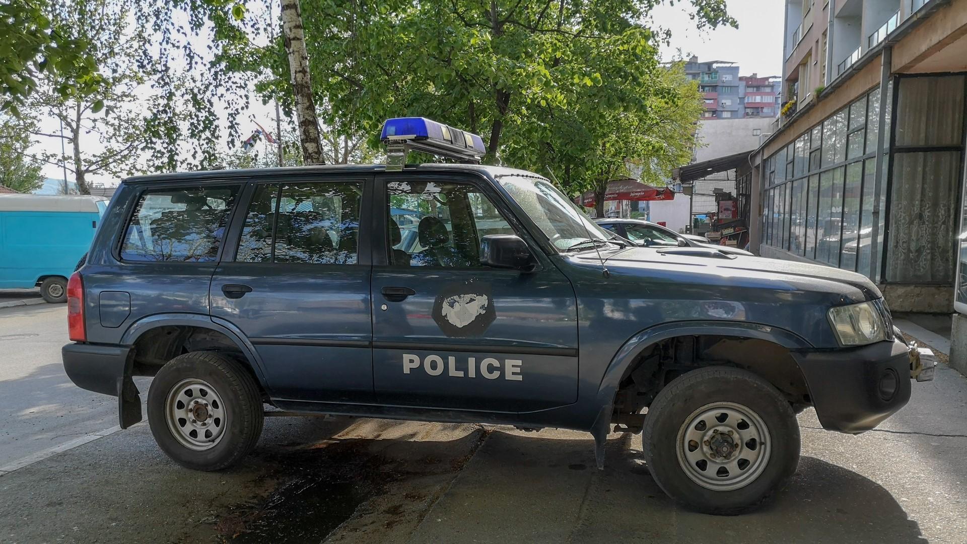 kosovska-policija-saobracajna-nezgoda-u-mitrovici-povredena-dva-lica