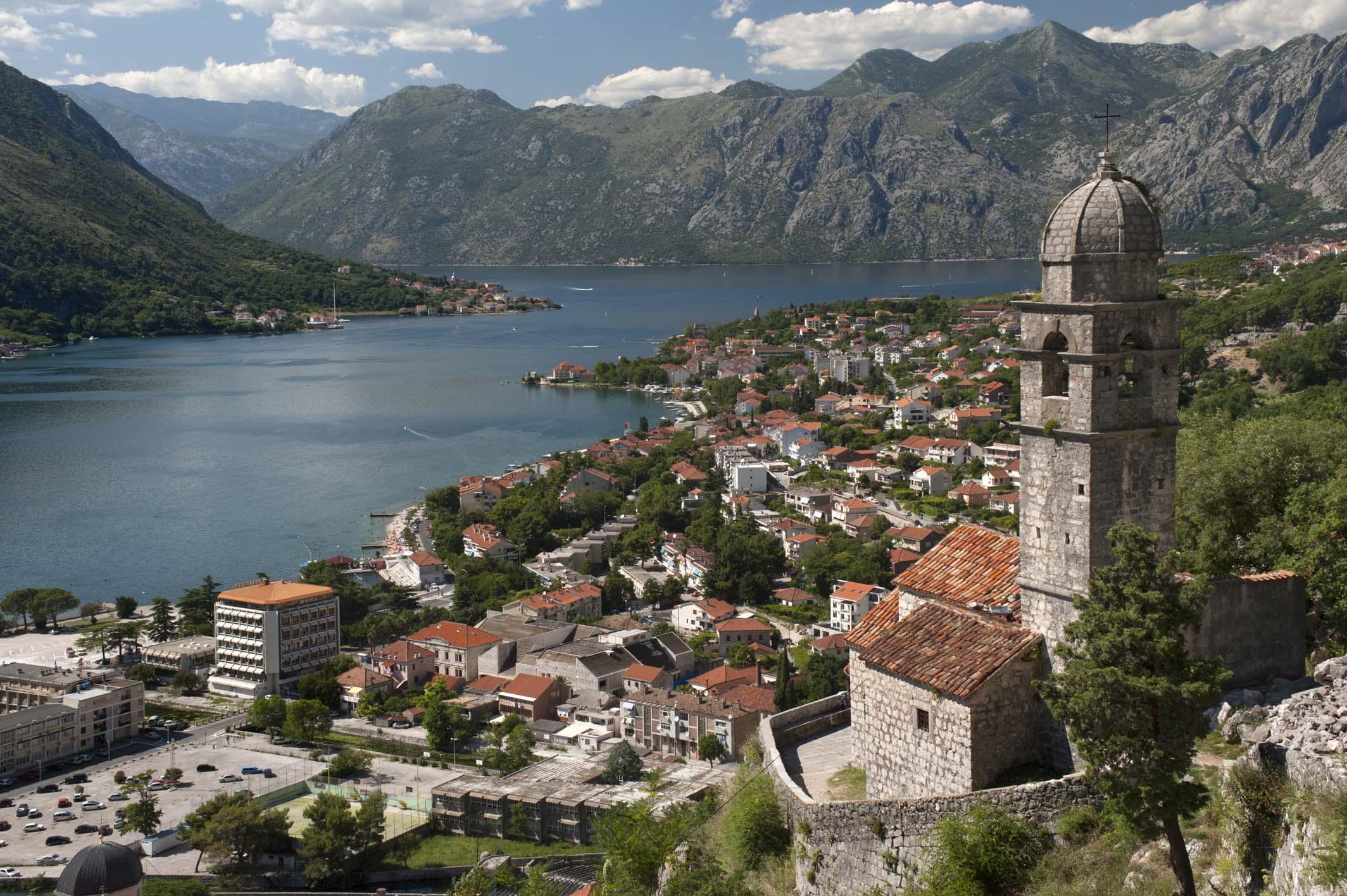 crna-gora-uvodi-potvrdu-o-vakcinaciji-da-li-se-menjaju-uslovi-za-ulazak-turista