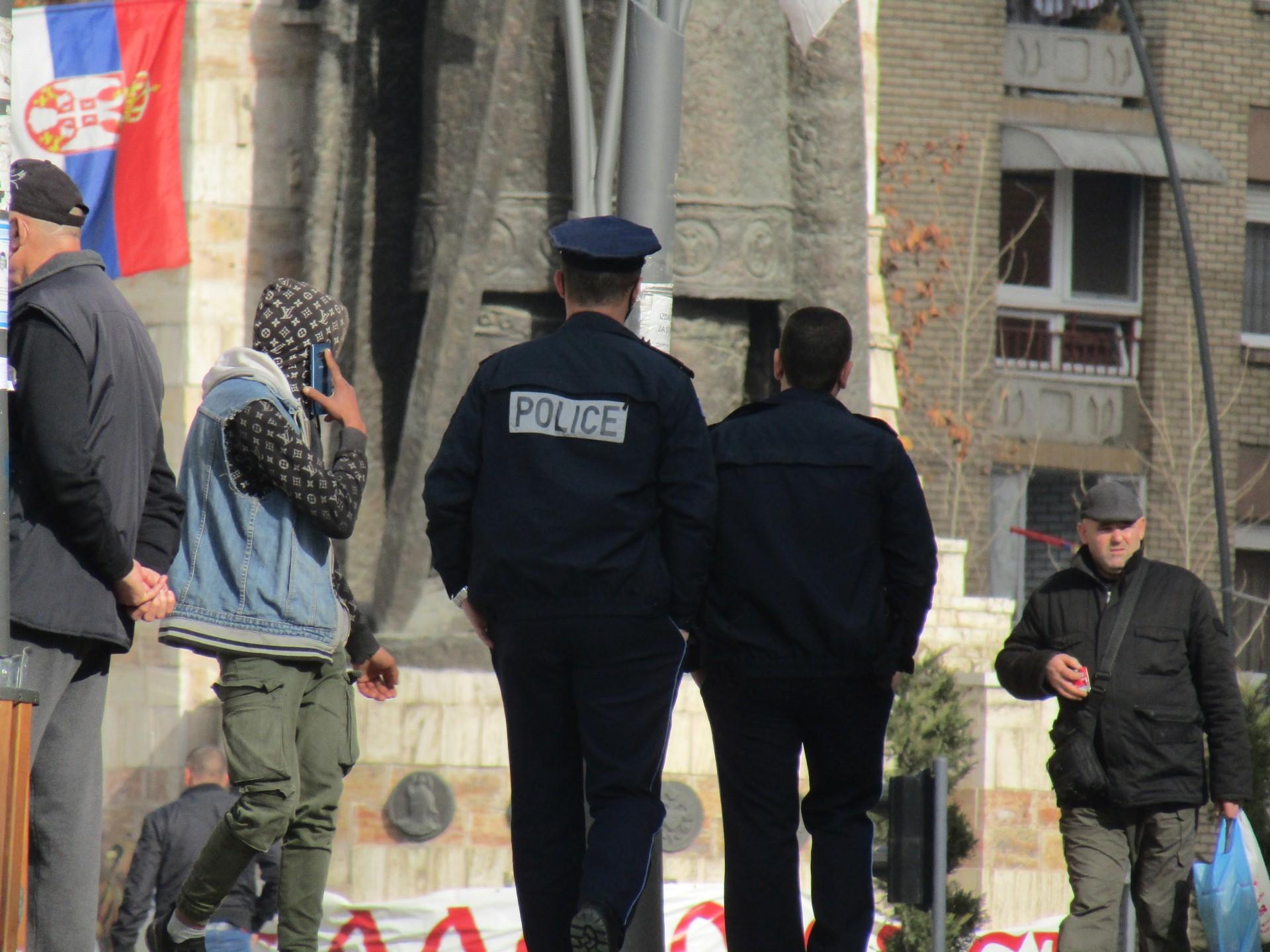 kosovska-policija-krada-u-zvecanu