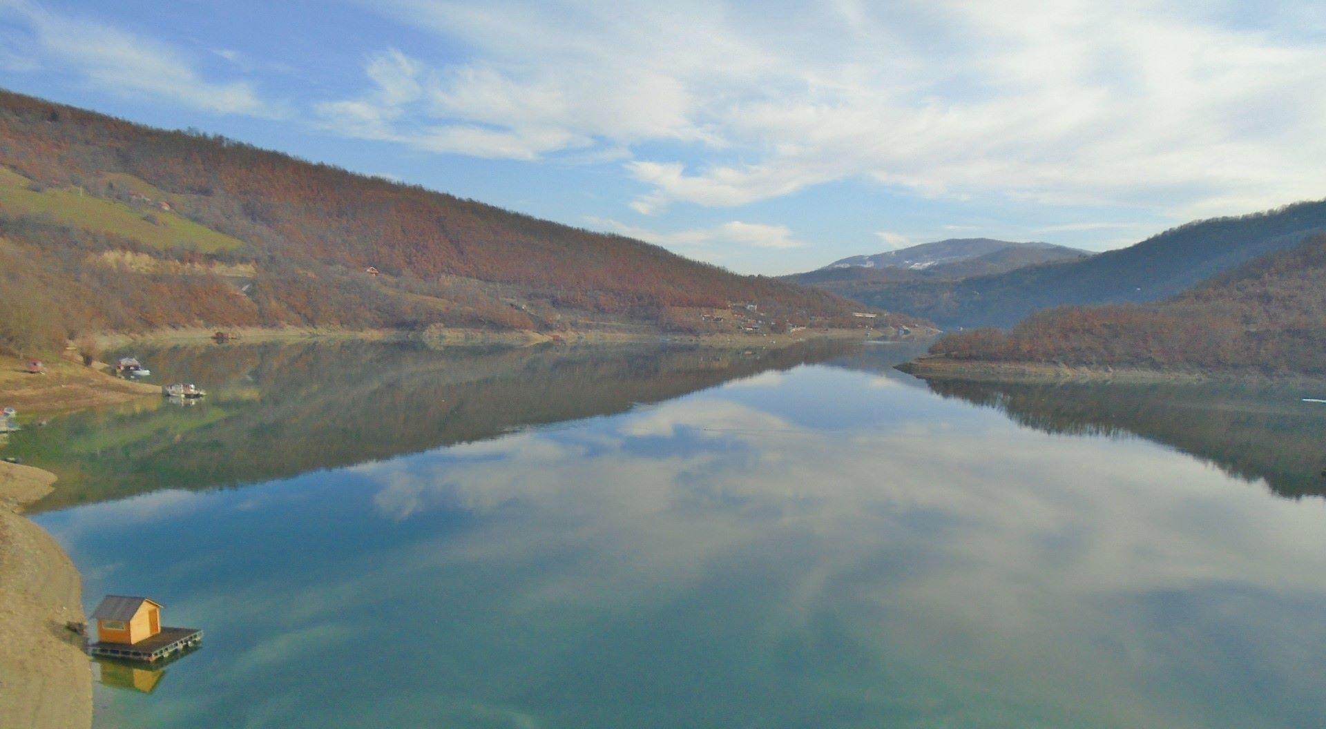 mladi-organizovanjem-tura-iz-centralne-srbije-promovisu-turizam-severnog-kosova