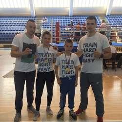dva-zlata-za-kik-boks-klub-028-na-prvenstvu-centralne-srbije
