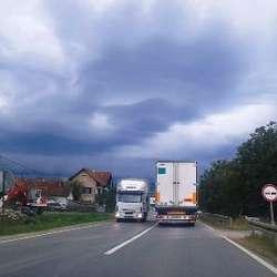 na-putevima-kosova-od-danas-obavezna-zimska-oprema