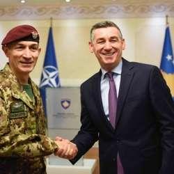 veselji-i-novi-komandant-kfora-o-formiranju-vojske