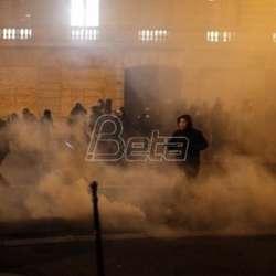 na-protestima-u-francuskoj-skoro-2000-privedenih