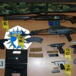 prizren-uhapsene-cetiri-osobe-zaplenjeno-oruzje