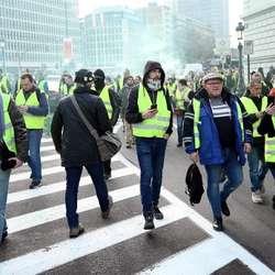 oko-43-hiljade-ljudi-u-francuskoj-ostalo-bez-posla-zbog-protesta-zutih-prsluka
