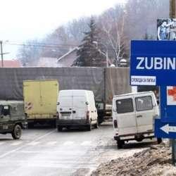 kosovska-policija-u-zubinom-potoku-dva-kamiona-robe-ilegalno-unete-na-kosovo