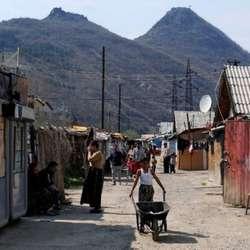 evropski-parlament-zabrinut-za-zdravlje-ljudi-u-kampovima-un-na-kosovu