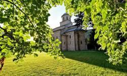 kosovski-manastiri-i-cudesna-jesen-berba-deljenje-i-trpeza-foto