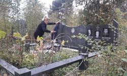 raseljeni-srbi-obisli-pravoslavno-groblje-u-pristini