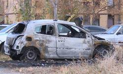 lesak-zapaljena-dva-automobila-iz-centralne-srbije