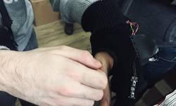 mitrovica-predstavljena-pametna-rukavica-za-slepe-i-slabovide