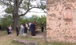 duhovni-ponedeljak-proslavljen-u-vaganesu-kod-kosovske-kamenice