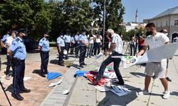 vlasnici-bazena-protestuju-najavljuju-blokadu-prelaza-sa-albanijom
