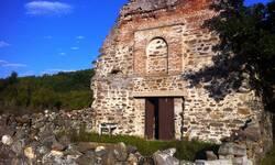 manastir-ubozac-kod-kosovske-kamenice-ceka-obnovu-i-vernike