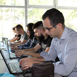 it-bootcamp-skola-besplatna-onlajn-nastava-od-oktobra-za-polaznike-na-kim