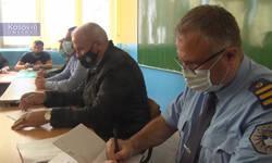 mestani-donje-brnjice-traze-stalne-patrole-kfora-i-da-policija-obezbeduje-skolu-u-vreme-nastave