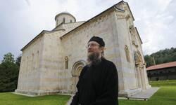 mediji-i-nvo-osudili-napade-na-igumana-manastira-visoki-decani